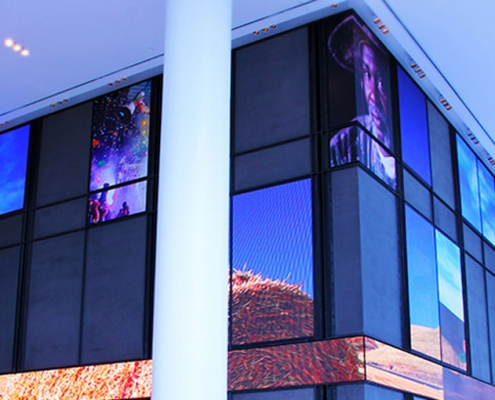 deset Schaufenster Display
